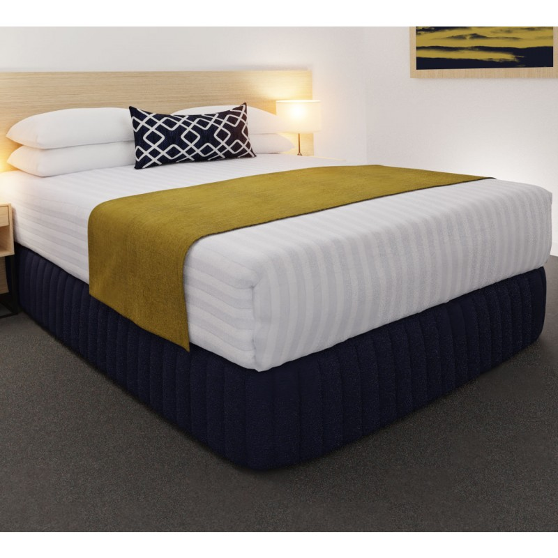 Clipper Mustard Luxury STD Runner, with Chain Indigo Belair Cushion