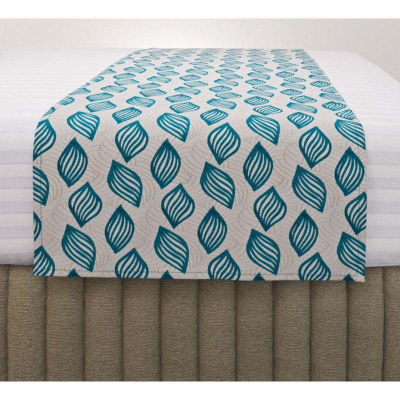 Concha Turquoise Luxury Standard Runner with Siam Husk Suite Valance and Hampton Wide Stripe Quilt Cover