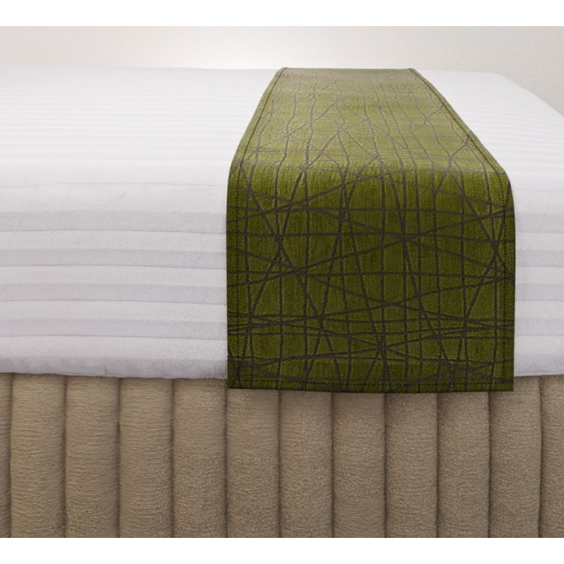 Fiddlesticks Moss Luxury Euro Runner with Siam Husk Suite Valance and Hampton Wide Stripe Quilt Cover