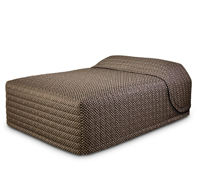 Contempo Standard Bedspread with Checkmate Pepper fabric