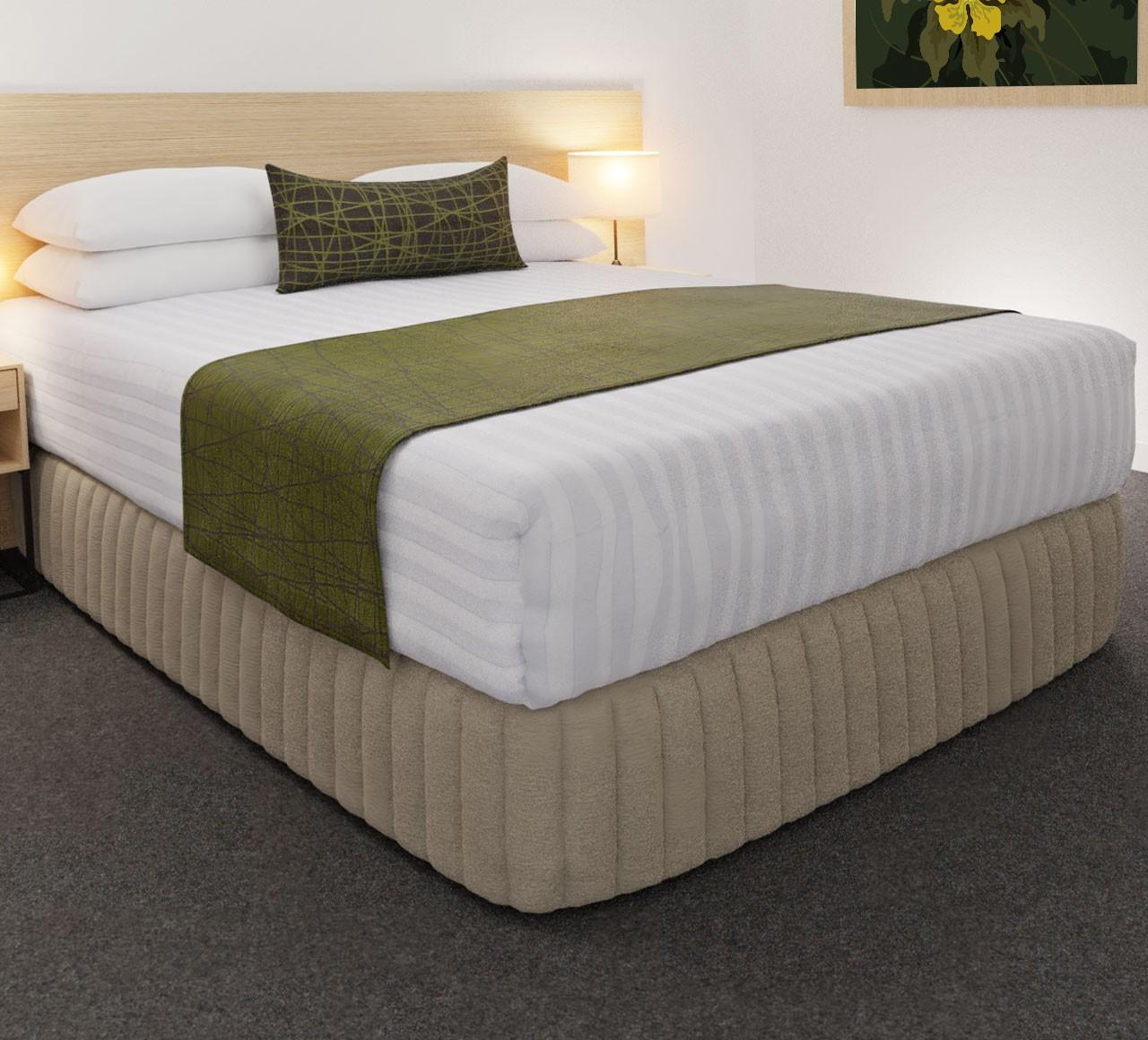 Fiddlesticks Moss (Reverse Side) Luxury STD Runner, with Fiddlesticks Moss (Face Side) Belair Cushion