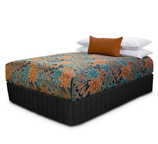 Presentation Bedcover with Oasis Copper Teal fabric