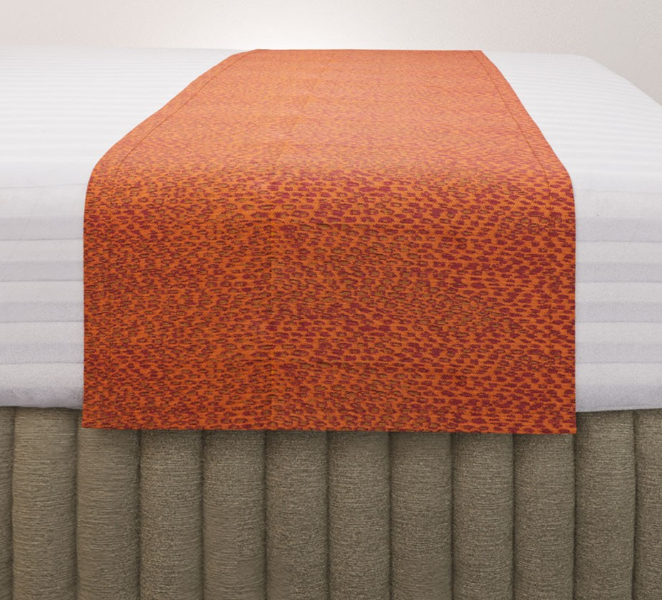 Rattler Reverse Tango Standard Mirage Runner with Siam Husk Suite Valance and Hampton Wide Stripe Quilt Cover